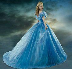 I love her dress Disney Cinderella Movie, Cinderella Live Action, Cinderella Cosplay, Cinderella 2015, Disney Princess Dresses, Disney Dresses, Cinderella Pictures, Cinderella Ballgown, Cinderella Dresses