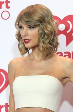 Taylor Swift short curls smooth on top