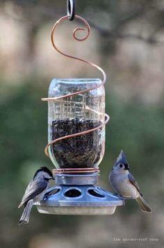 Vogelvoederbak van een weckpot