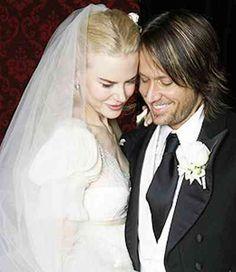 Keith Urban & Nicole Kidman's wedding photo.