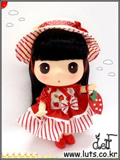 """""""Strawberry DDUNG"""" doll    This one is my favourite so far~ <3"""
