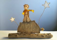 La planète et son Petit Prince Little Prince Party, The Little Prince, Wire Crafts, Diy And Crafts, Save Water Drawing, Glue Art, Origami And Quilling, Angel Crafts, Folded Book Art
