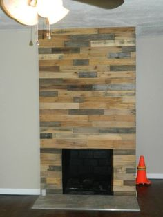 Pallet wood fireplace wall #Fire, #Fireplace, #Pallet, #Wall