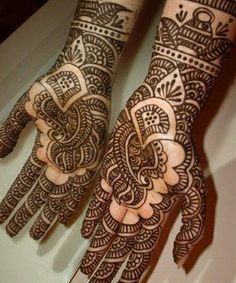 Interesting mehendi design