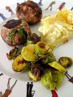 The best recipe for cooking Brussels sprouts, … – Italian Foods Vegetable Recipes, Italian Recipes, Italian Foods, Pesto, Carne, Potato Salad, Good Food, Appetizers, Vegetables