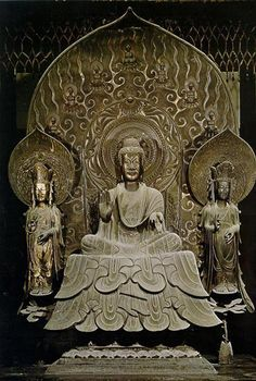 法隆寺金堂釈迦三尊像、銅像、釈迦像高86.3cm