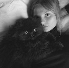 Le chat de Magdalena Frackowiak http://www.vogue.fr/mode/mannequins/diaporama/la-semaine-des-tops-sur-instagram-52/21840/image/1130952#!le-chat-de-magdalena-frackowiak
