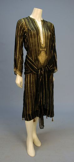 little augury: Asuite tunic 1920