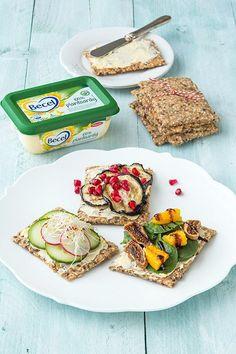 Zelf deze lekker crackers maken met o.a. havermout, spelt en allerlei pitten en zaden. incl. 3 lekker toppings! 100% plantaardig en lekker