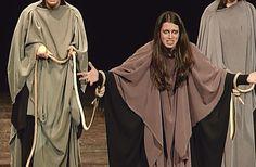 Representación MEDEA VERSIÓN BEATRIZ CANO de Beatriz Cano Olmedo por La Charanga Teatro. Teatro Principal de Ourense  21 abril de 2013