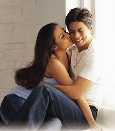Chalte Chalte - Shahrukh Khan & Rani Bollywood Wallpaper BOLLYWOOD WALLPAPER : PHOTO / CONTENTS  FROM  IN.PINTEREST.COM #WALLPAPER #EDUCRATSWEB