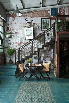 boho-scratched-wall-wood-chairs-metal boho-scratched-wall-wood-chairs-metal Painted Floors, Interior Design Color Schemes, Interior House Colors, Brick Interior, Colorful Interior Design, Best Home Interior Design, Interior Ideas, Colorful Interiors, Bohemian Decor