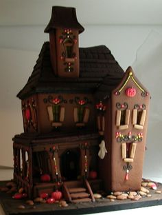 Haunted House Made With Graham Crackers, Vanilla Frosting And Lots Of  Candies! Artwork By Gooseberry Patch. | Original Gooseberry Patch Artwork |  Pinterest ...