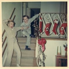 Christmas is that wonderful time of year filled with great surprises! (Vintage Family Photo: Christmas Morning, -- this is the best photo! Ghost Of Christmas Past, Old Christmas, Old Fashioned Christmas, Retro Christmas, Christmas Morning, All Things Christmas, Christmas Holidays, Christmas Mantles, Victorian Christmas
