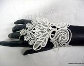 bracelet-manchette-mitaine-pour mariée, broderie, dentelle, gants de mariage en dentelle sur Alittlemarket par amd à Coudre, lace : Mitaines, gants par amd-a-coudre