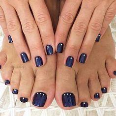 MINUS the dots. Perfect Nails, Gorgeous Nails, Love Nails, Pretty Nails, Pedicure Nail Art, Toe Nail Art, Manicure And Pedicure, Best Toe Nail Color, Nail Colors