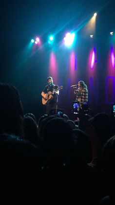 """Shawn Mendes and Jaquie Lee singing """"Give Me Love"""" in San Francsico 4.24 ❤️"""
