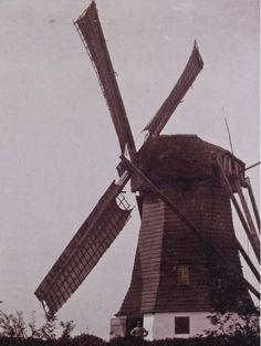 De Loerikse Molen. De tweede foto die bekend is van deze molen.