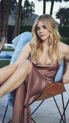 Chloe Grace Moretz, Hollywood Heroines, Hollywood Actresses, Hollywood Celebrities, Beautiful Girl Image, Gorgeous Women, Beautiful Celebrities, Beautiful Actresses, Jimmy Choo