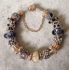 Галерея Pandora (фото наших браслетов) - Страница 61 Pandora Jewelry Box, Pandora Gold, Pandora Bracelet Charms, Charm Jewelry, Jewlery, Beaded Rings, Beaded Bracelets, Pandora Collection, Ring Earrings