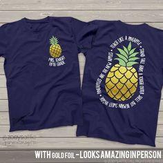 Etsy team Teacher shirts - teach like a pineapple gold foil personalized DARK tshirt {affiliate link} Teacher Outfits, Teacher Gifts, Teacher Clothes, Work Outfits, Kindergarten Teacher Shirts, Student Teacher, Team Shirts, Vinyl Shirts, Teacher Style