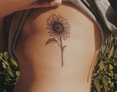 "235 Likes, 11 Comments - Ana Luiza (@analuink) on Instagram: ""#tattooapprentice #tattoo #tattoos #sunflower #sunflowertattoo #girassol flowertattoo"""