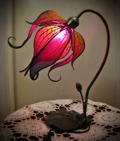 Verzauberte Lily-Lampe von littlewingfaerieart auf Etsy