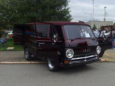 1967 Dodge A 100 van(2)