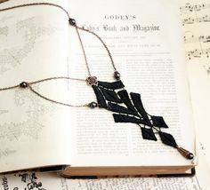 lace necklace ZALIKA black tinaevarenee on Etsy