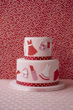 Style conscious teens will love this fashion inspired cake - we think it's right on trend!