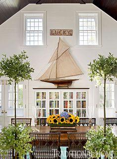 Drewniany model jachtu, marynistyczne dekoracje, morski upominek, prezent dla żeglarza,  prestiżowy żeglarski wystrój wnętrz, model słynnego jachtu z drewna  http://sklep.marynistyka.org/modele-jachtow-i-zaglowcow-c-7.html http://marynistyka.pl