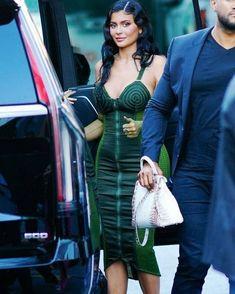 Kylie Jenner Pictures, Kylie Jenner Outfits, Plunge Dress, Jenner Style, Kourtney Kardashian, Business Women, Bodycon Dress, Jenners, Female Celebrities