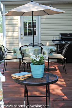 Mini Outdoor Makeover. Spray Paint Freshened Patio Furniture!