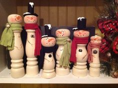Lowes or Home Depot snowmen! Christmas Wood Crafts, Snowman Crafts, Diy Christmas Gifts, Christmas Snowman, Christmas Projects, Winter Christmas, Holiday Crafts, Christmas Holidays, Christmas Decorations