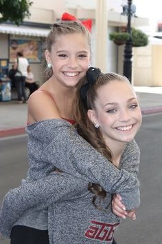 I love this, this picture is one of the cutest things I have ever seen. Maddie and MacKenzie have a really awesome realtionship and I wish I could have that kind of realtionship with my sister.