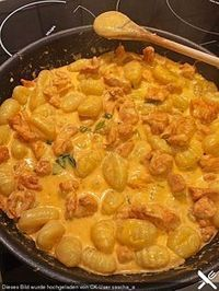 Curry Gnocchi mit Hähnchen