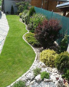 Best Small Yard Landscaping & Flower Garden Design Ideas - New ideas Front Garden Landscape, Landscape Design, Farm Gardens, Outdoor Gardens, Small Yard Landscaping, Cottage Garden Plants, Garden Care, Garden Planning, Land Scape