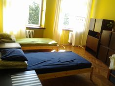 Big room, can be private or shared. Even for 4 people: shared bathroom, no access to kitchen. Price: 15 euro per person or 40 per all room