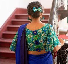 Golden Blouse Designs, New Saree Blouse Designs, Blouse Designs High Neck, Blouse Designs Catalogue, Simple Blouse Designs, Stylish Blouse Design, Bridal Blouse Designs, Blouse Patterns, Fashion Show Dresses