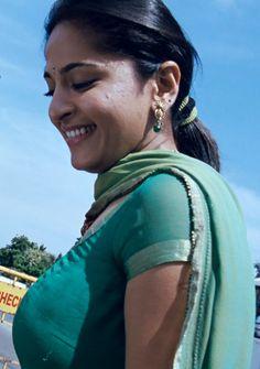 Beautiful Girl Indian, Beautiful Saree, Beautiful Indian Actress, Beautiful Women, Actress Anushka, Bollywood Actress, Amala Paul Hot, Vidya Balan Hot, Girls Phone Numbers