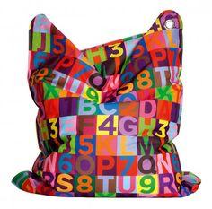 De Fashion Bull Mini is dezelfde zitzak als de Mini Bull, maar onderscheid zich door middel van de verschillende kleursamenstellingen en patronen. Een echte kinderzitzak met een gave print.