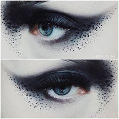 Sssmokeyyy 🚬 Make Up Store Pollution shadow & Black cakeliner / House of Lash., Luxy Make Up, Makeup Inspo, Makeup Art, Makeup Inspiration, Makeup Ideas, Fantasy Inspiration, Gothic Makeup, Fantasy Makeup, Looks Halloween, Halloween Makeup