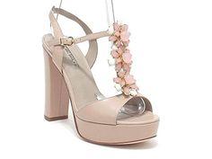 Barachini scarpe donna, modello 4181, sandalo gioiello in pelle con pietre, colore cipria in OFFERTA su www.kellieshop.com Scarpe, borse, accessori, intimo, gioielli e molto altro.. scopri migliaia di articoli firmati con prezzi da 15,00 a 299,00 euro! #kellieshop Seguici su Facebook > https://www.facebook.com/pages/Kellie-Shop/332713936876989