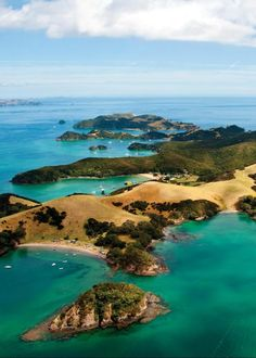 The Beautiful Bay of Islands, New Zealand New Zealand North, New Zealand Travel, Places Around The World, Around The Worlds, New Zealand Landscape, Bay Of Islands, Travel Couple, The Great Outdoors, Places To See