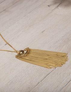 Long Tassel Chain Necklace Χρυσό μακρύ κολιέ με πολλές λεπτές αλυσίδες να κρέμονται απο το κεντρικό του στοιχείο. 10,00 €