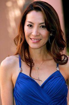 "# 10 Michelle Yeoh in ""Tomorrow never dies"" Michelle Yeoh, Asian Woman, Asian Girl, Asian Haircut, Asian Celebrities, Celebs, Bond Girls, Sexy Older Women, Beautiful Asian Women"
