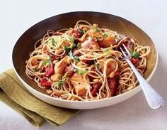 Flat Belly Diet Recipes: capellini with pine nuts, sun dried tomatoes, and chicken Healthy Chicken Dinner, Healthy Chicken Recipes, Diet Recipes, Cooking Recipes, Pasta Recipes, Recipies, Sundried Tomato Chicken, Flat Belly Diet, I Love Food