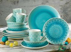 Peacock collection by Euro Ceramica, 16 Piece Dinnerware Set in Turquoise