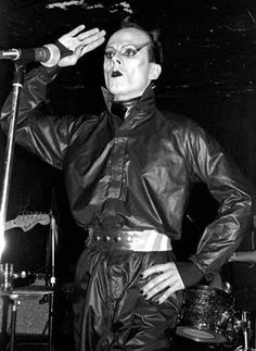 Klaus Nomi. Performing at Max's Kansas City, NYC (1972).   www.nodigasiconoporfavor.com