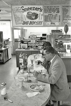 Green Bay Wisconsin 1960 Sneezer's.  Worked there in 1967.